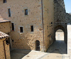 Ancienne porte à Brigueuil