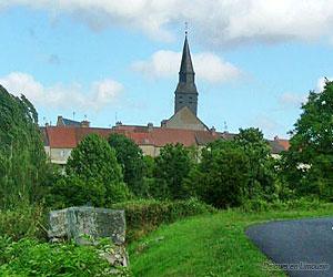 Le bourg de Chénérailles