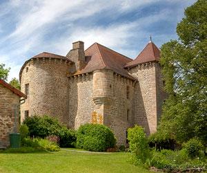 Bâtiment médiéval à Mansat-la-Courrière