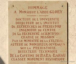 Plaque d'hommage à l'abbé Glory