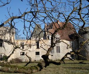 Façade du château de Laxion