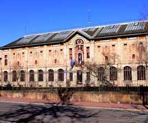 Le musée depuis le champ de foire