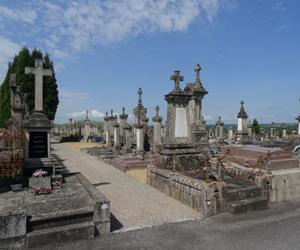 Vue du cimetière de Louyat