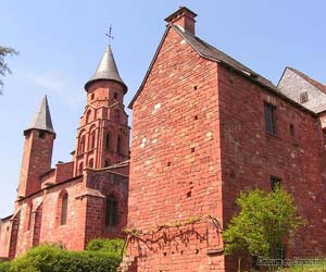 L'église Saint-Pierre, à Collonges-la-Rouge